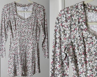 90s Fitted Flirty Floral Long Sleeve Mini Dress