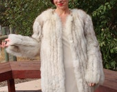 Gorgeous 1940s-Style White Fox Fur Chubby Coat from the 1970s/1980s SIZE SMALL/MEDIUM