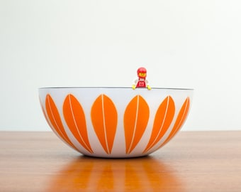 Excellent Vintage Cathrineholm Scandinavian Orange Lotus on White Bowl - Mid Century