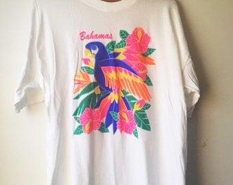 Vintage Bahamas Tourist Souviner T-shirt Parrot Bright Colors Size XL