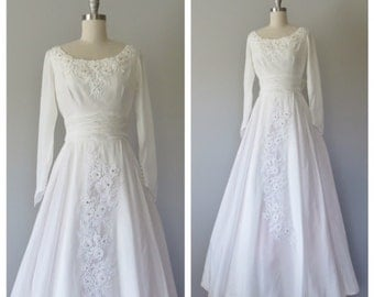 50s wedding gown size XS / vintage wedding gown