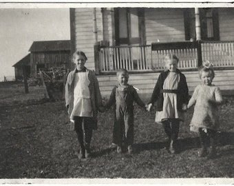 Old Photo Children Holding Hands outside Farm House 1920s Photograph snapshot vintage Girls Boy