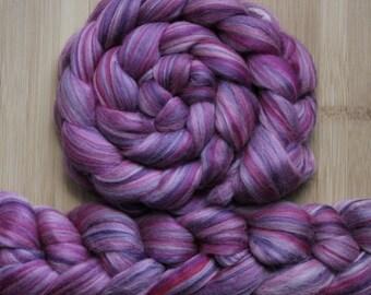 "Merino ' WOOLY-WOW Roving in ""La Vie en Rose"" colorway - Fuchsia, mauve, purple, pink, lavender  blend - Spinning Felting braid - Fiber arts"