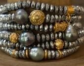 Tahitian Pearl Bracelet, Pearl Bracelet, Beaded Bracelet, Stack Bracelet, Stretch Bracelet, Boho Bracelet, Layering Bracelet, Gold Bracelet