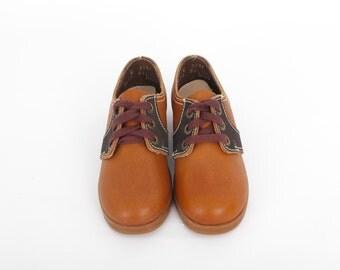 Vintage Kids Saddle Shoes / Vintage Leather Shoes  US Kids Size 10.5 or 11 / Vintage Toddler Shoes / 1970s Shoes