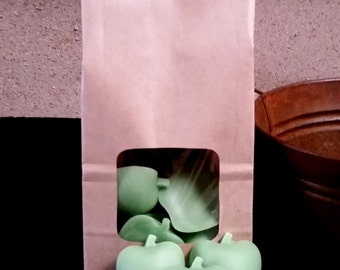 Apple Shaped Scented Wax Melts // Choose your Fragrance // 4 oz. Bag of Tarts