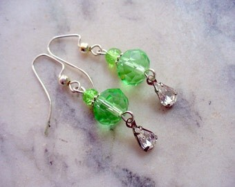 Green Earrings, Drop Earrings, Beaded Earrings, Dangle Earrings, Silver Jewelry, Gift for Her, Weddings, Party Earrings, Birthday Gift