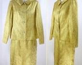 Chic Vtg 60s Gold Jacquard Brocade 2 PC  Wedding Cocktail Dress Suit  XS