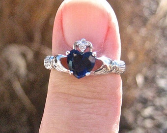 Vintage 925 Sterling Silver Sapphire CZ Claddagh Ring