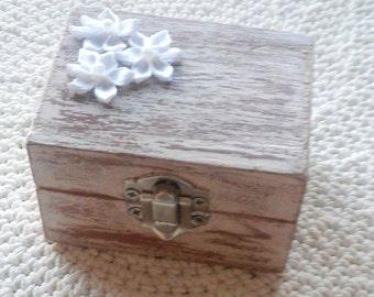 Wedding Ring Box , Wedding Ring Holder, Ring Bearer Box , Shabby Chic Wedding Decor , Ring Pillow, Ring Bearer box