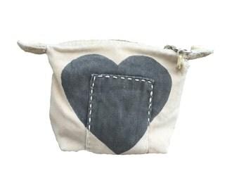 Ali Lamu Small Clutch Natural HEART Grey