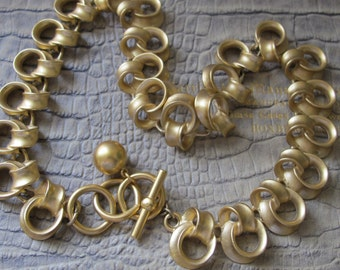 Chic Classic Signed Designer Gold Metal Unique Chunky Link Chain Necklace Toggle Clasp.Anne KLEIN Fashion Costume Gold Jewelry 1980's Chic