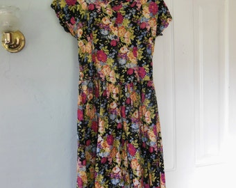 90s does the 50s Floral Dress