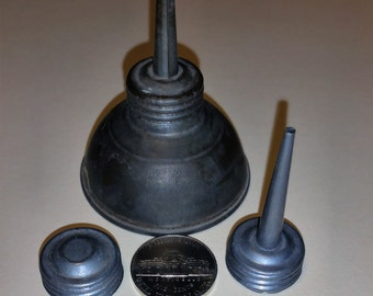 Petite oil can with cap and 2 spouts