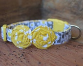 Flower Dog Collar - Grey/Yellow Daisy Print with Yellow Flowers