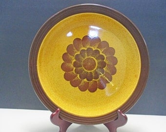 Homer Laughlin Hearthside Shape - Apollo Pattern - Round Platter Chop Plate