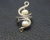 Coctail ear cuff  with keishi pearls