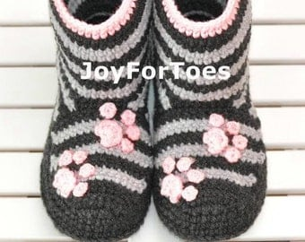 Crochet Boots, Slippers for Home, Woman Shoes, Kitty, Grey, Stripes, Socks, Made to Order, Cozy, Creative, Stylish, Fashion