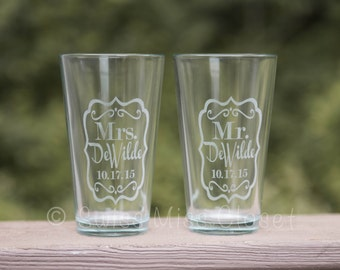 Mr. & Mrs. Etched Pint Glasses Beer Glass Set of Two