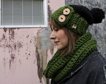 Warm Chunky Winter Scarf . Soft Pom Pom Infinity Cowl . Wool Free  {  Avocado Green  }
