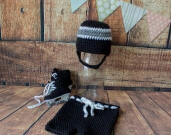 Hockey Photo Prop Set - Crochet Baby Hockey Set - Crochet Hockey Helmet - Crochet Hockey Skates - Crochet Photo Prop - Baby Shower Gift