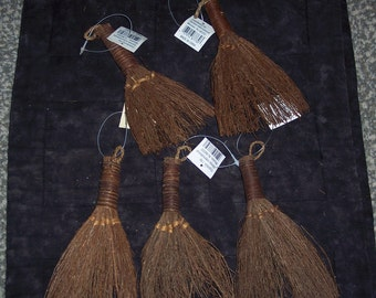 small pine craft broom,6 inch tall,set of 5,new,old stock,cinnamon scented,crafting,primitive,rustic