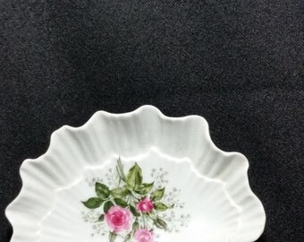 "Vintage ""RARE"" 1960's Lefton's Exclusive's Scalloped Shell Soap Dish (LDT2)"