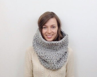 SALE Chunky Knit Cowl Scarf Oversized Neckwarmer / THE SALLANDER / Earl Grey