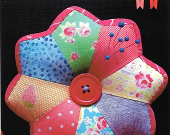 Pattern ''Sherbet Pincushion'' Hand Pieced Pincushion Pattern by Matching Pegs (CG704)