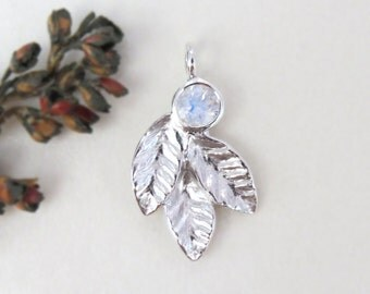 Moonstone leaf pendant necklace, Silver leaves pendant necklace with rainbow moonstone, leaf pendant necklace, moon stone pendant, gift.