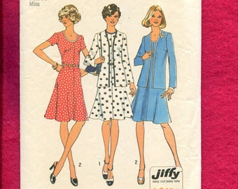1970's Simplicity 6749 Scoop Neck Flared Dress & Cardigan Jacket Size 12
