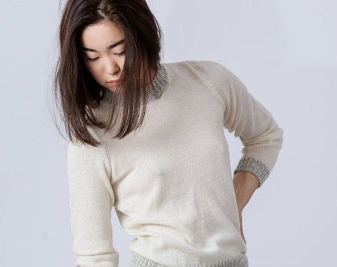 Ivory crewneck sweater in extra-fine knit featuring melange rib trim / round neck pullover alpaca sweater wool sweater / woman wool jumper