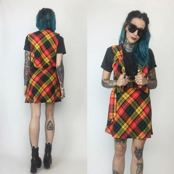 70's Two Piece Wool Mini Skirt & Vest - Size 2 Wool High Waist Skirt With Medium Top - Fall Mini Skirt Set Coordinates Small Retro Plaid