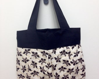 Large Size Retro Bats Shoulder Bag