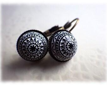 Mosaic black - Earrings earrings in vintage style with cabochon cornflower black white