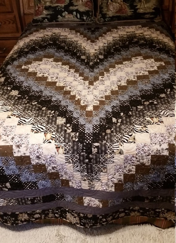 Bargello Heart Queen 97x100 Quilt Black Grey Tan By