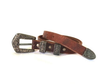 "Vintage Banana Republic Western Style Women's Leather Belt 26"" W"