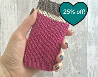 Pink Knit iPhone case, iPhone Case 5s, iphone 5c case, iPod touch 5 case, iPod Touch 6th Generation Case, Knitted Phone Sleeve - SALE