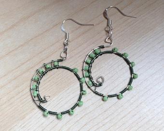Wire wrap earrings (green)