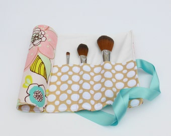 Makeup Brush Roll in floral design