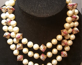 FREE  SHIPPING  Vintage Multi Strand Pearl Bead BiB Necklace
