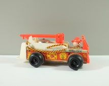 Vintage Fisher Price F.P Fire Engine Pull along Fire Truck Toy, 1968 - FP Fire engine Fisher Price #720