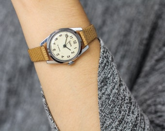 Vintage ladies watch Zaria (Dawn) – gold plated wrist watch – mechanical watch women – gift for her USSR 70s
