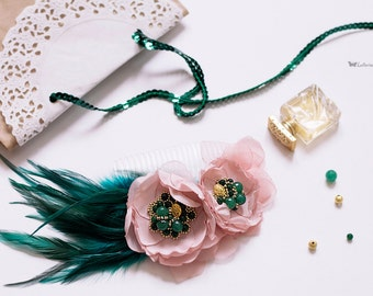 Emerald hair comb, Bridal hair comb, flowers hair comb, Golden hair comb, bridal comb, pink flowers comb, Emerald Green Feather Fascinator