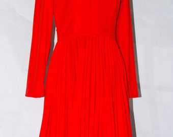 60's A Leslie Fay Original, White Collar & Black Bow, Orange  Red Accordion Pleated Dress vintage