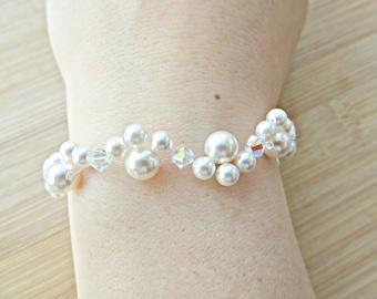 White pearl bracelet, Weaved pearl bracelet, Bridal pearl bracelet, Swarovski pearl bracelet, Pearl & silver bracelet, White wedding jewelry