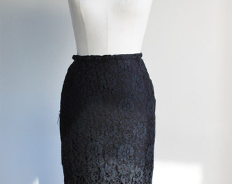 CLEARANCE: Vintage 1950s Wiggle Skirt / 1950's Black Lace Pencil Skirt / Narrow 50s Skirt / Extra Small / Petite