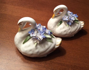 Adderley pair of Bone China Swans forget-me-not posy