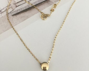 Simple 14K solid gold round curved bean pendant necklace