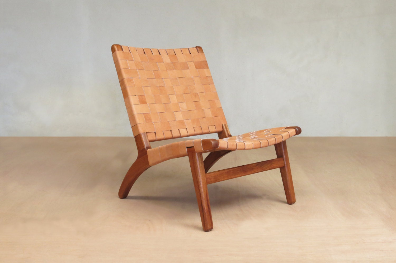 Accent chair leather mid century modern lounge chair for Mid century modern leather chairs